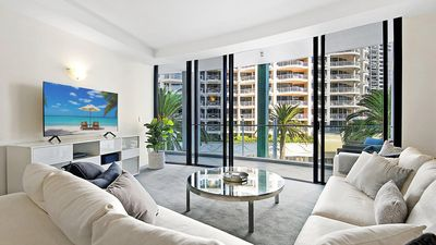 Photo for Aria Private 3 Bed in the heart of Broadbeach