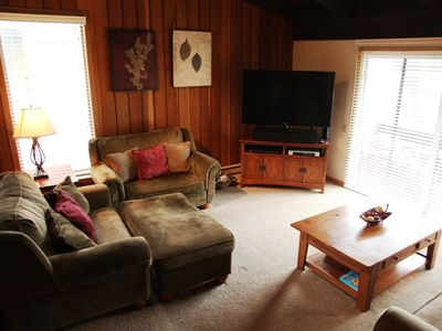 Photo for Spacious, 4 Bed/2 Bath, Walk to Canyon Lodge