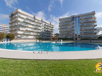 Photo for Great ground floor with garden with A / C and communal pool in Salou.