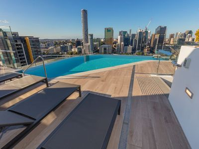 Photo for ★Modern and Elegant★ 2 Bed Apt @ Southbank
