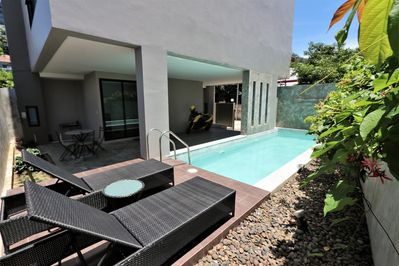 Private Pool House In Kamala
