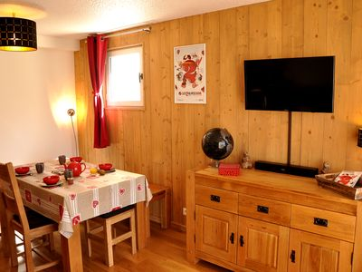 Photo for Chalet style apartment. Large balcony facing south on the slopes with garage