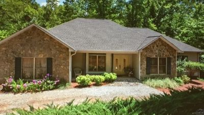 Photo for Beautiful Rumbling Bald 4 Bedroom/Amenities- Booking for fall colors.