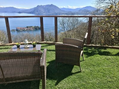 Photo for Apartment in villa / terrace LAKE VIEW and Borromean islands, private parking.