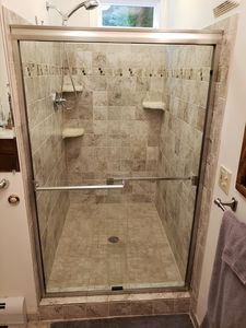 "large tiled shower 48"" by 42"""