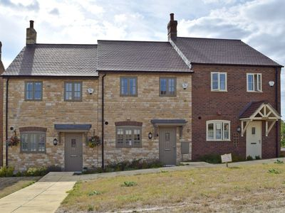 Photo for 2 bedroom accommodation in Shipston-on-Stour