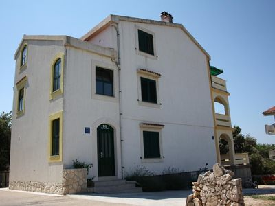 Photo for One bedroom apartment with balcony and sea view Mandre (Pag)