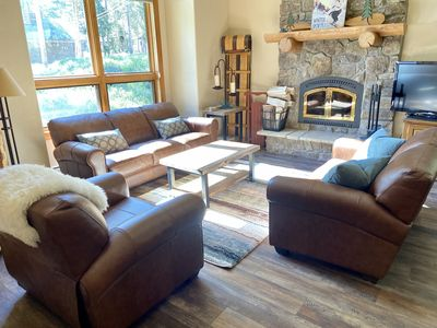 Photo for Bright and spacious home with hot tub! Minutes from skiing!