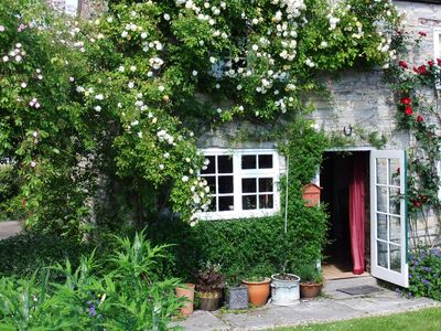 Ancient Detached Stone Cottage in Shakespeare Country