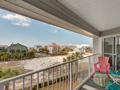Photo for Updated and cozy Family friendly unit close to the beach!