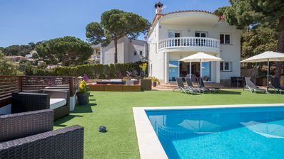 Photo for House with private pool with stunning views