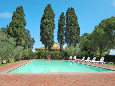 Photo for 2 bedroom Villa, sleeps 4 in Tavarnelle Val di Pesa with WiFi