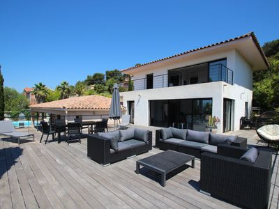 Photo for Large contemporary villa, exceptional sea view, heated pool