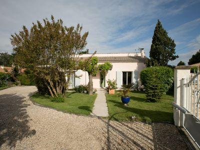 Photo for Near Bordeaux and St Emilion, quiet house with large garden.