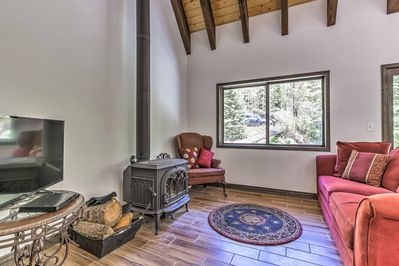 Open-beam vaulted ceilings welcome you inside the living space.