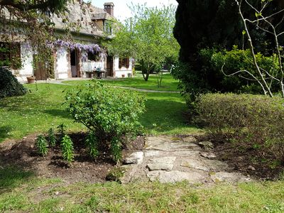 Photo for Charming sheepfold renovated in a pretty garden (near Giverny)