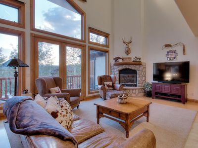 Photo for Big Family Townhome w 2300sqft w Garage, Pool, Hot Tubs and Ski Shuttle
