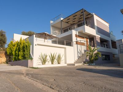 Photo for Lux Villa, just 1km From Chania Centre