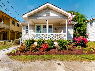 Photo for Family friendly, oceanview home w/ a furnished porch, full kitchen - near beach!