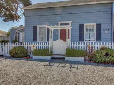 Photo for Upstairs duplex in the heart of Cayucos - steps to town and beach! Free WiFi!