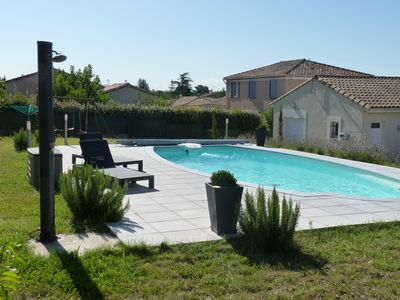 Photo for Independent studio in villa with large garden and pool