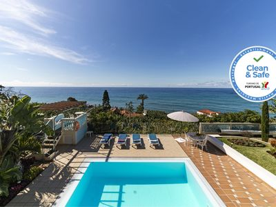 Photo for Delightful villa with infinity pool and outstanding views   Villa Do Mar III
