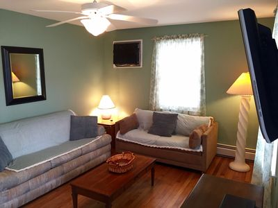 Lower Unit w/ Roomy Living space NEW Flat Screen, Remote Control A/C,  ceilngfan