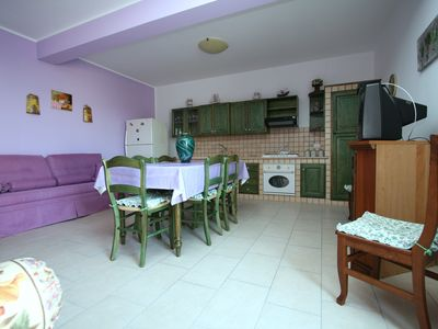 Photo for Three-room apartment with terrace and barbecue