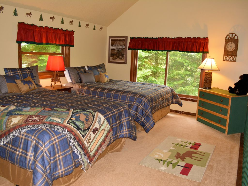 Nubs Nob Cozy Home Nestled In The Woods Harbor Springs Mi Bnb Daily