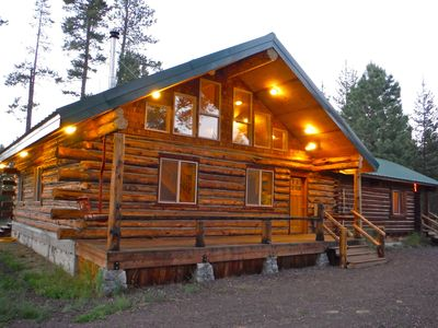 Photo for Rustic log home. Room for the entire family!