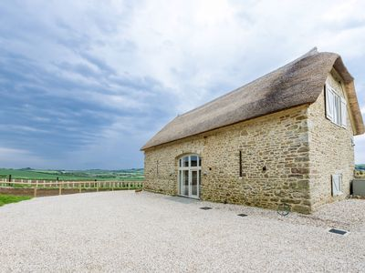 Photo for MERRY HILL BARN Detached Barn Conversion (Sleeps 6 in 3 bedrooms, 1 King 1 Double 1 Bunk/Twin)