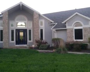 Private executive family retreat. Close to everything KC offers including MCI.