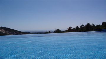 Awesome Views, Amazing Infinity Pool, Luxuriously Furnished & Equipped & Private