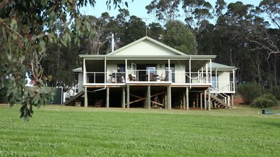 Photo for Millbrook Cottage Yallingup -panoramic views down Wildwood Valley