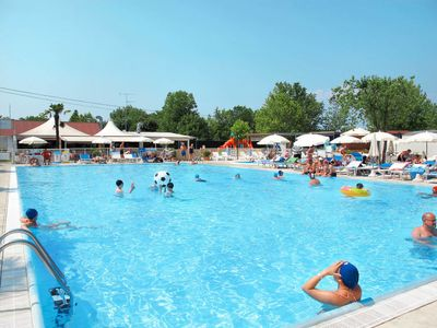 Photo for Peschiera del Garda Holiday Home, Sleeps 7 with Pool, Air Con and WiFi