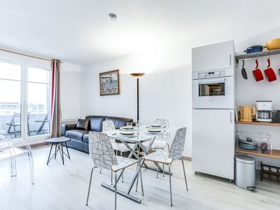 Photo for Cosy apartment with pool, TV, balcony, washing machine and parking