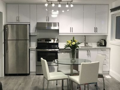 Photo for 3 bedroom w. Full kitchen