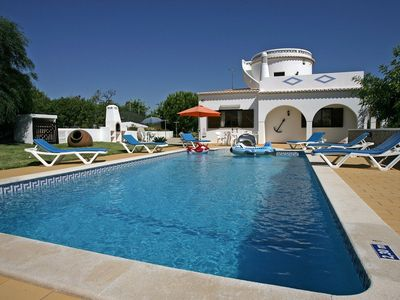 Photo for Spacious villa,salt water swimming pool, perfect relaxing holidays in Carvoeiro