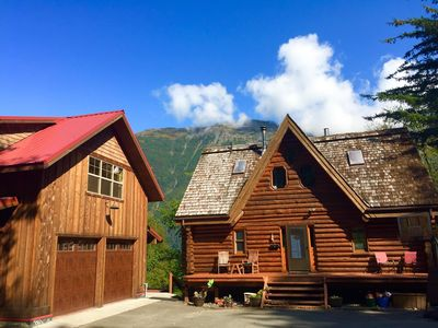 Sandy Beach Retreat - stay just steps from Juneau's best beach and trails!