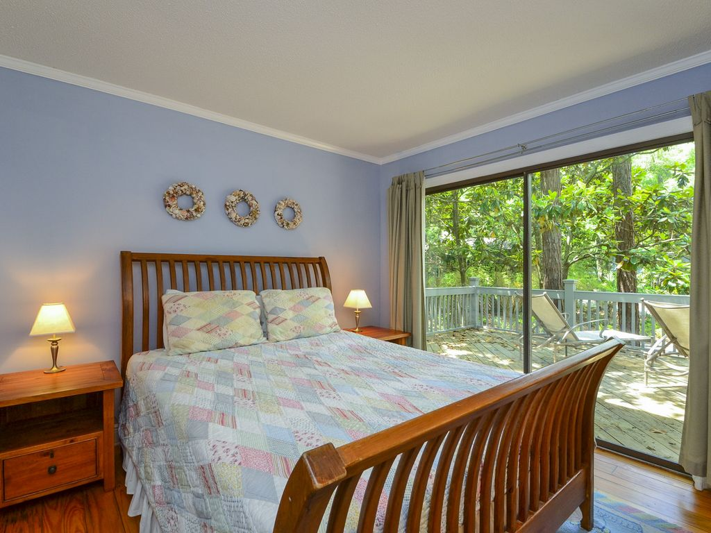 Akers ellis 1016 sparrow pond 3 bedroom rental with for A bedroom community