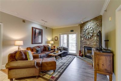 Baskins Creek 214 – Living Room with Fireplace