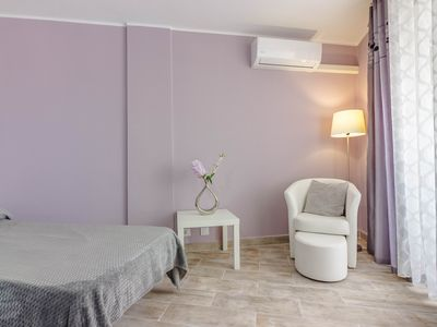Photo for Studio apartment ROMANTIC Wifi and air with free