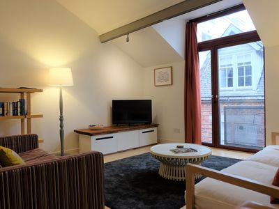 Photo for Quiet mews townhouse in central location with parking