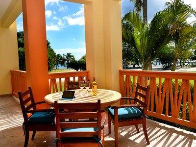 Photo for A tropical paradise getaway on the best beach of Belize awaits you