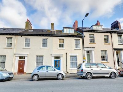 Photo for 5 West Terrace - Three Bedroom House, Sleeps 6