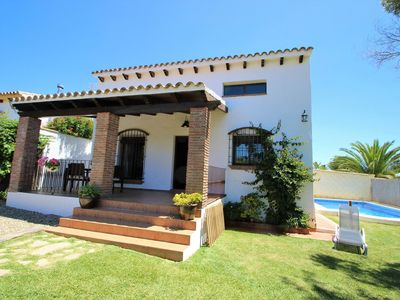 Photo for beautiful 3 bedroom home for 6 persons near Fuente del Gallo/Conil, with private pool and garden, with aircondioning and Wifi, only 800m to the beaches