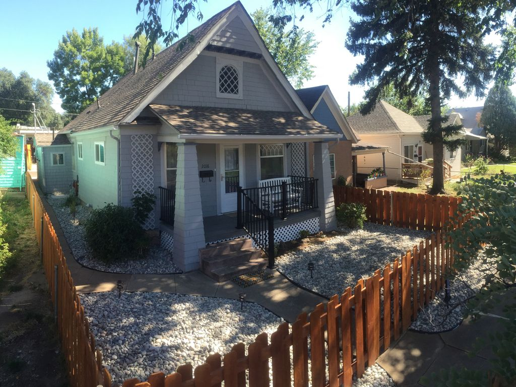 Pet friendly, cozy home with hot tub in historic Old ...