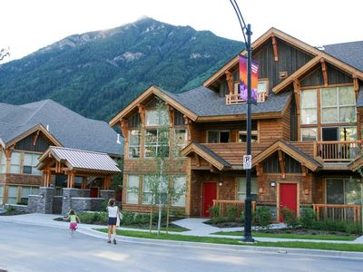 Photo for Mountain Luxury 3 Bedroom Townhome
