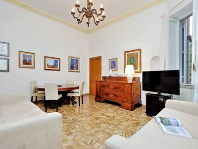 Photo for Spacious 150m2 3bdr in the heart of Rome
