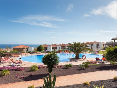 Photo for Relax, pool, wifi & golf in South Tenerife